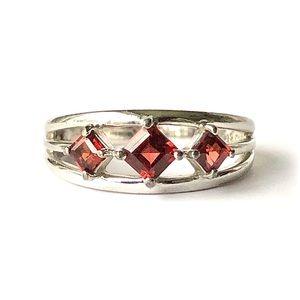 Ross-Simons Garnet 3 Stone Ring Sterling Silver 8